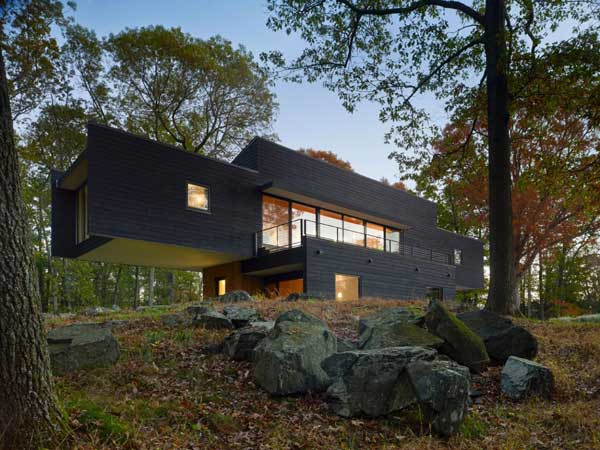Waccabuc House, cantilevering single family New York